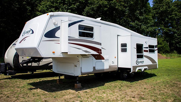 28ft fifth wheel exterior